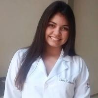 Thais Cesar - Graduanda em Medicina