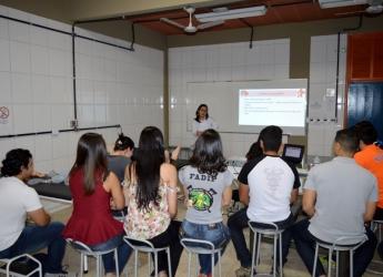 Enfermagem e Fisioterapia promovem Curso de BLS
