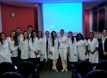 Alunos do 1º período de Farmácia visitam o Hospital Arnaldo Gavazza